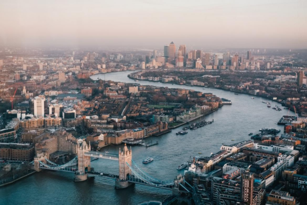 Uber will let you hail a boat in London Very Soon