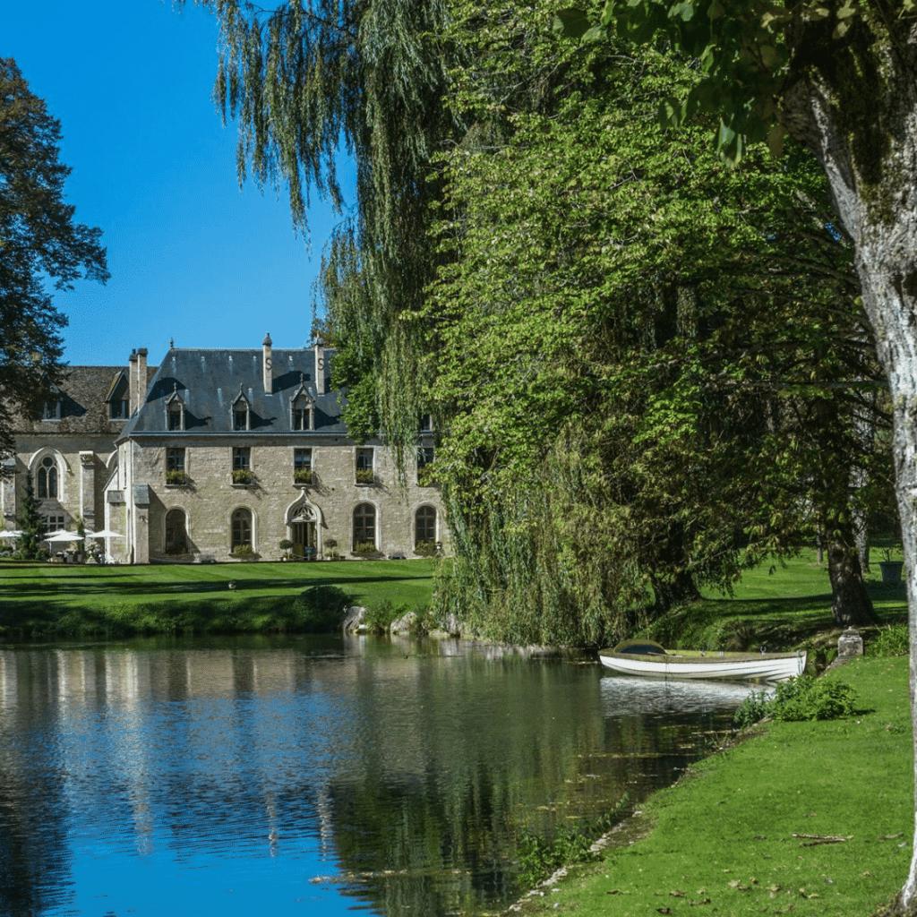 21. Abbaye de la Bussière – France